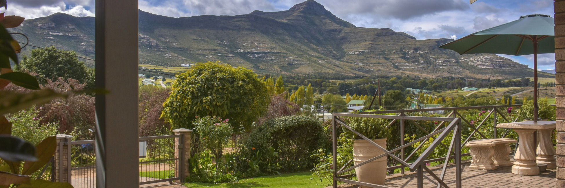 Clarens Retreat - In the idyllic town of Clarens